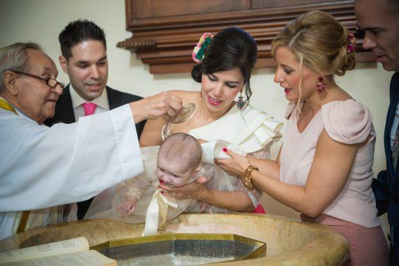 Reportajes-fotografos-de-bautismo-en-Málaga-15